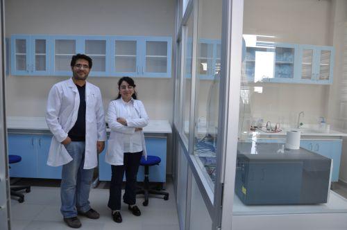 Türkiye'de DNA, RNA izolasyon kit pazarı yaklaşık 50-60 milyon TL. Şeyma Özçırak Ergün'ün kurucuları arasında yer aldığı Korteks Biyoteknoloji, Ergün Şakalar'ın Gıdagen şirketinin bir ürünü olan çoklu DNA izolasyon kitlerini taslak alarak yeni ürünler geliştirme hedefinde...